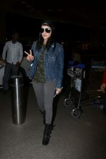 Sunny Leone Spotted At Airport on 1st Nov 2017 (20)_59fad1ef308d5.JPG