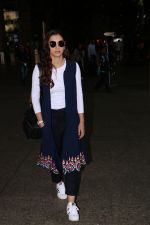 Gauhar Khan Spotted At Airport on 4th Nov 2017 (18)_59fd973e6ce4f.JPG