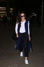 Gauhar Khan Spotted At Airport on 4th Nov 2017 (20)_59fd97415fc89.JPG