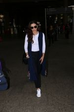 Gauhar Khan Spotted At Airport on 4th Nov 2017 (23)_59fd9744b3fed.JPG
