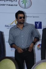 R. Madhavan at the Opening Ceremony & Pc Of Dubai Property Show on 3rd Nov 2017 (7)_59fd8caf7d2b8.JPG