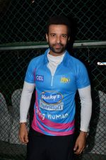 Aamir Ali at Yuva Mumbai VS Mumbai Heroes Cricket Match on 4th Nov 2017 (39)_59fee4546293d.JPG