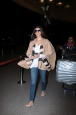 Sushmita Sen Spotted At Airport on 4th Nov 2017 (16)_59fee7ce755c6.JPG