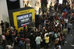 Karan Kundra and Anusha Dandekar launched Forever 21 store in Amritsar on 9th Nov 2017 (3)_5a0460b65f8ac.jpg