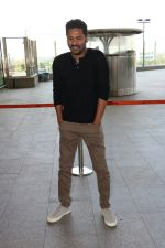 Prabhu Deva Spotted At International Airport on 9th Nov 2017 (10)_5a0460eb906a3.JPG