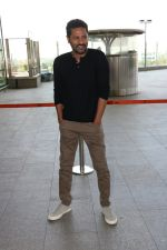 Prabhu Deva Spotted At International Airport on 9th Nov 2017 (11)_5a0460ed9c5c3.JPG