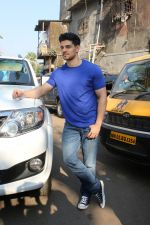 Sooraj Pancholi Celebrating His Birthday With Smile Foundation Kids on 9th Nov 2017 (23)_5a0464a7a592d.JPG