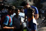 Sooraj Pancholi Celebrating His Birthday With Smile Foundation Kids on 9th Nov 2017 (28)_5a0464aab9a73.JPG