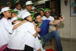 Sooraj Pancholi Celebrating His Birthday With Smile Foundation Kids on 9th Nov 2017 (55)_5a0464baa092e.JPG
