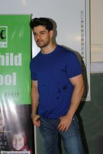 Sooraj Pancholi Celebrating His Birthday With Smile Foundation Kids on 9th Nov 2017 (80)_5a0464c9813aa.JPG