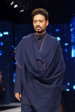 Irrfan Khan at Van Heusen and GQ Fashion Nights 2017 on 11th Nov 2017  (251)_5a096d9c063bf.JPG
