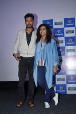 Irrfan Khan, Parvathy at the special Screening of Qarib Qarib Singlle on 10th Nov 2017 (38)_5a091a1e7657e.JPG