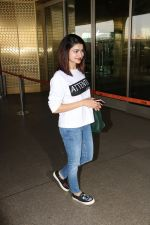 Prachi Desai Spotted At Airport on 11th Nov 2017 (11)_5a091e2e1a05c.JPG
