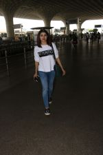 Prachi Desai Spotted At Airport on 11th Nov 2017 (4)_5a091e2609c4b.JPG