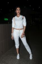 Sonal Chauhan Spotted At Airport on 11th Nov 2017 (1)_5a091e33eaacd.JPG