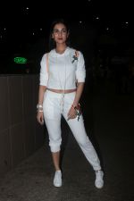 Sonal Chauhan Spotted At Airport on 11th Nov 2017 (10)_5a091e3b0cfb2.JPG