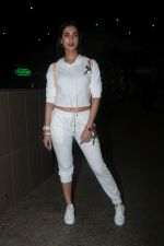 Sonal Chauhan Spotted At Airport on 11th Nov 2017 (12)_5a091e3c68812.JPG