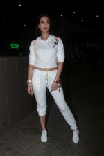 Sonal Chauhan Spotted At Airport on 11th Nov 2017 (13)_5a091e3e01bf0.JPG