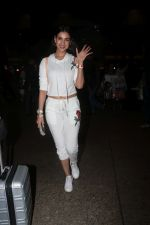 Sonal Chauhan Spotted At Airport on 11th Nov 2017 (2)_5a091e348a2b1.JPG