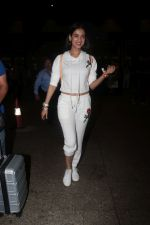 Sonal Chauhan Spotted At Airport on 11th Nov 2017 (5)_5a091e3699a79.JPG