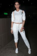 Sonal Chauhan Spotted At Airport on 11th Nov 2017 (8)_5a091e389df61.JPG