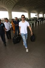 Tusshar Kapoor Spotted At Airport on 11th Nov 2017 (6)_5a091eccac705.JPG