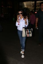 Ameesha Patel Spotted At Airport on 13th Nov 2017 (6)_5a0ab83635143.JPG