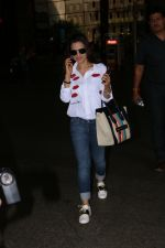 Ameesha Patel Spotted At Airport on 13th Nov 2017 (8)_5a0ab8388b949.JPG