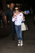 Ameesha Patel Spotted At Airport on 13th Nov 2017 (9)_5a0ab839aa021.JPG