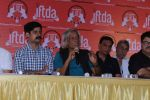Sushant Singh, Sudhir Mishra with IFTDA Association Members Came Together To Express Solidarity Towards Sanjay Leela Bhansali on 13th Nov 2017 (17)_5a0ab89a0d247.JPG