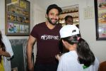 Jackky Bhagnani Meet Smile Foundation Kids To Celebrate Children Day on 14th Nov 2017 (11)_5a0bc423c04d4.JPG