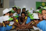 Jackky Bhagnani Meet Smile Foundation Kids To Celebrate Children Day on 14th Nov 2017 (62)_5a0bc441436f4.JPG