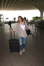 Ahana Deol Spotted At Aiport on 16th Nov 2017 (8)_5a0d5a54e5b73.JPG