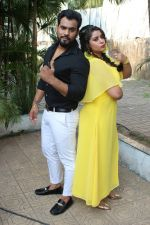 Anara Gupta, Karan Singh Prince On Location shoot of Album Tera Photo on 15th Nov 2017 (90)_5a0d0cc5a9189.JPG