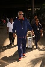 Boney Kapoor Spotted At Airport on 15th Nov 2017 (13)_5a0d026355406.JPG