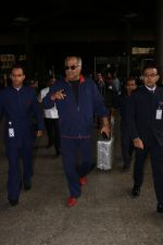 Boney Kapoor Spotted At Airport on 15th Nov 2017 (6)_5a0d025952527.JPG
