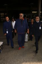 Boney Kapoor Spotted At Airport on 15th Nov 2017 (8)_5a0d025c59a6d.JPG