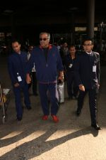 Boney Kapoor Spotted At Airport on 15th Nov 2017 (9)_5a0d025dc1a67.JPG