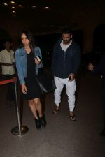 John Abraham With His Wife Spotted At Airport on 16th Nov 2017 (19)_5a0e7e8c3b2cb.JPG