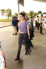 Fatima Sana Shaikh Spotted At Airport on 17th Nov 2017 (1)_5a0fd1a2c3723.JPG
