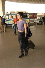 Fatima Sana Shaikh Spotted At Airport on 17th Nov 2017 (12)_5a0fd1b08bfed.JPG