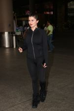 Kainaat Arora Spotted At Airport on 18th Nov 2017 (4)_5a10259446c9a.JPG