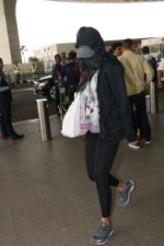 Nargis Fakhri Spotted At Airport on 17th Nov 2017 (4)_5a0fd1f05cce7.JPG