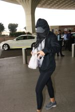 Nargis Fakhri Spotted At Airport on 17th Nov 2017 (8)_5a0fd1f52ec6e.JPG