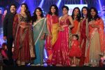 Saiyami Kher, Shamita Shetty, Diana Hayden, Poonam Dhillon at The Fashion Show For Social Cause Called She Matters on 19th Nov 2017 (147)_5a11ba7553373.JPG