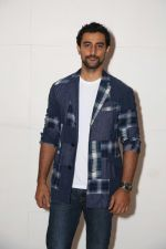 Kunal Kapoor at a party for Ed Sheeran hosted by Farah Khan at her house on 19th Nov 2017 (73)_5a130c004ee46.jpg