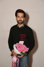 Nakuul Mehta at a party for Ed Sheeran hosted by Farah Khan at her house on 19th Nov 2017 (59)_5a130c48ad2b1.jpg