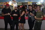Ali Fazal, Pulkit Samrat, Manjot Singh, Varun Sharma, Richa Chadda with The Cast Of Fukrey Returns Visit At Most Popular Spots Of Mumbai on 21st Nov 2017 (161)_5a15304a10aa0.JPG