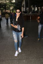 Saiyami Kher Spotted At Airport on 20th Nov 2017 (15)_5a1522691ff0e.JPG