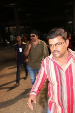 Sunny Deol Spotted At Airport on 21st Nov 2017 (2)_5a15228fb6209.JPG